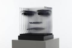 o-t-portraitobjekt-2001_aus-dem-zyklus-schichten-_ultrachrom-acrylglas-aufl-2-_je-platte-30x30-cm-gesamt-34x275-cm-preis-1490