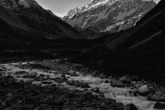 schloer-mount_cook-shadow